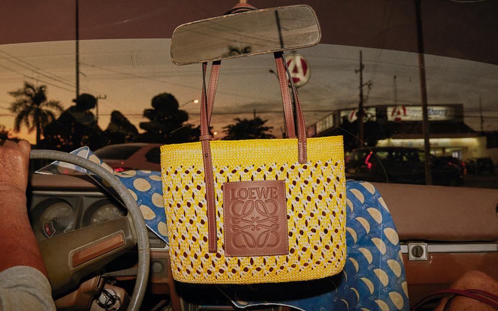 ロエベのかごバッグが今年も豊作♡人気コレクション「パウラズイビザ」に新作が登場!
