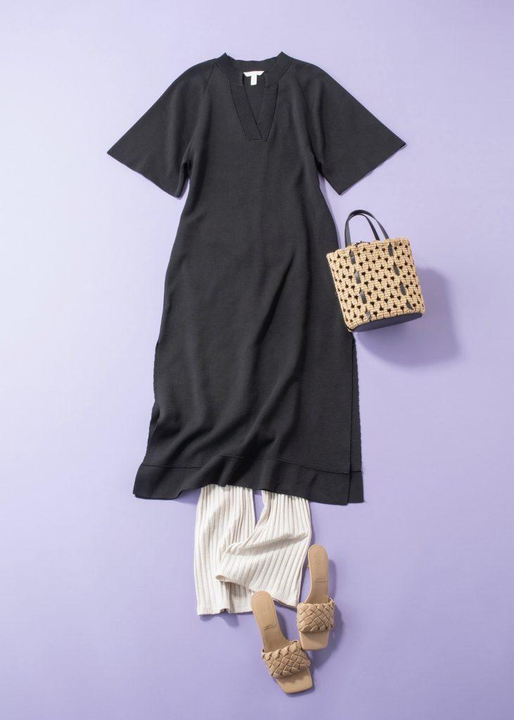 シンプルなワンピースは単品で着