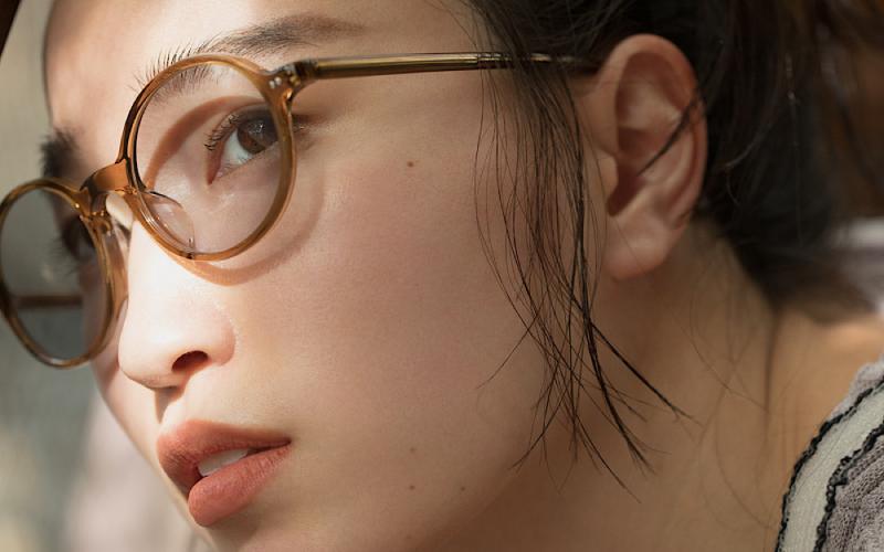 【Zoff】アラサー女子に大人気ブランドとのコラボメガネを発売!