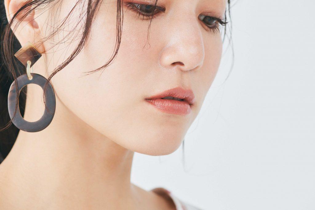 唇から蒸発する水分を活用して密