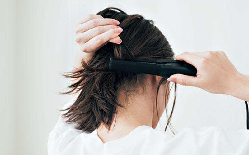 髪全体をまとめたり、顔周りの後