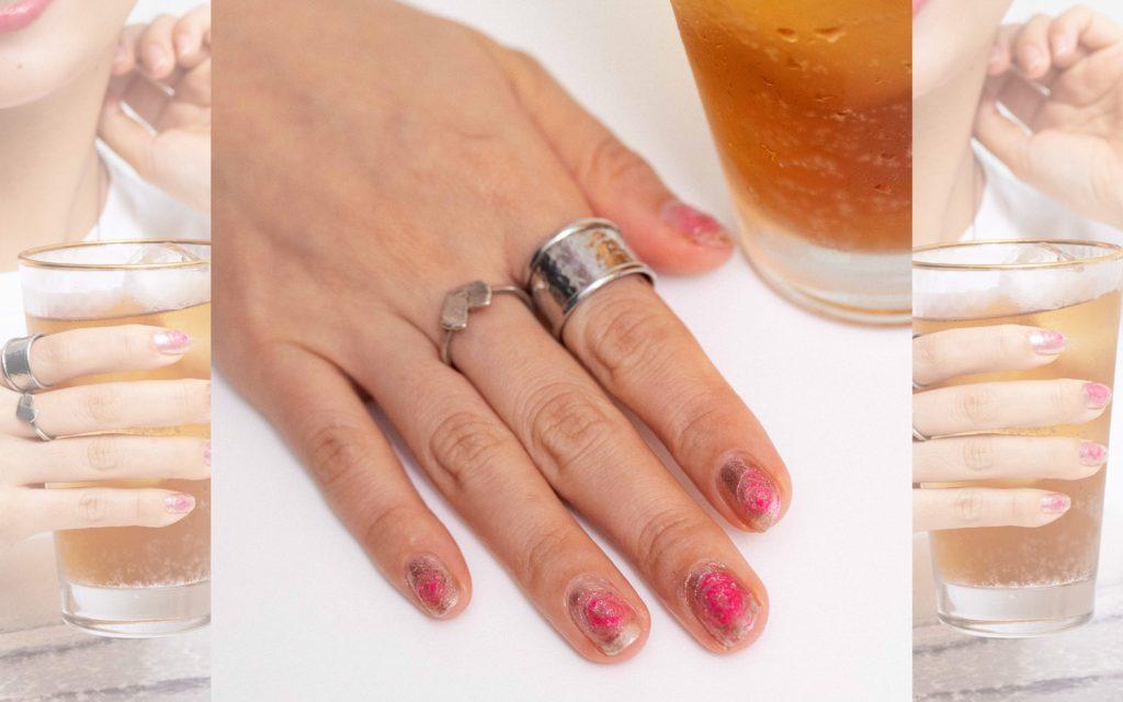 """5分で完成! 休日の指先はピンクの""""キャンディ風ネイル""""で盛り上げて。"""