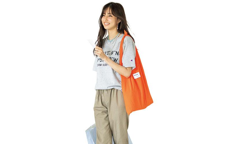 アラサー女子の「ロゴTシャツ」コーデ【今日の着回しDiary】