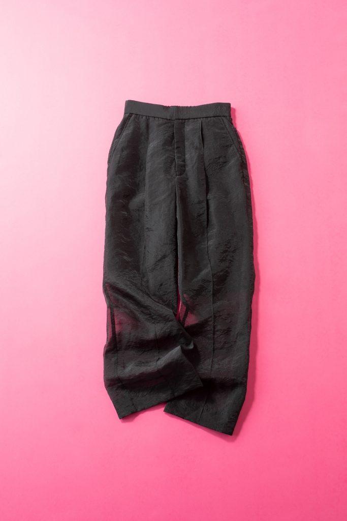「黒いパンツが欲しくて探してい