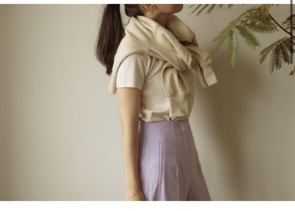 【ユニクロ】でこの夏154㎝編集が買うべきTシャツは、白じゃなくベージュ!