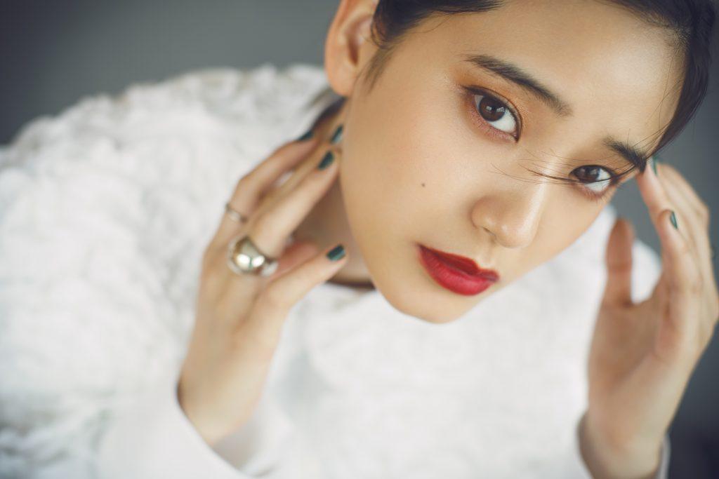 女優・山崎紘菜さんが語る「舞台」と「映像」の仕事の違いとは?【1問1答インタビュー】