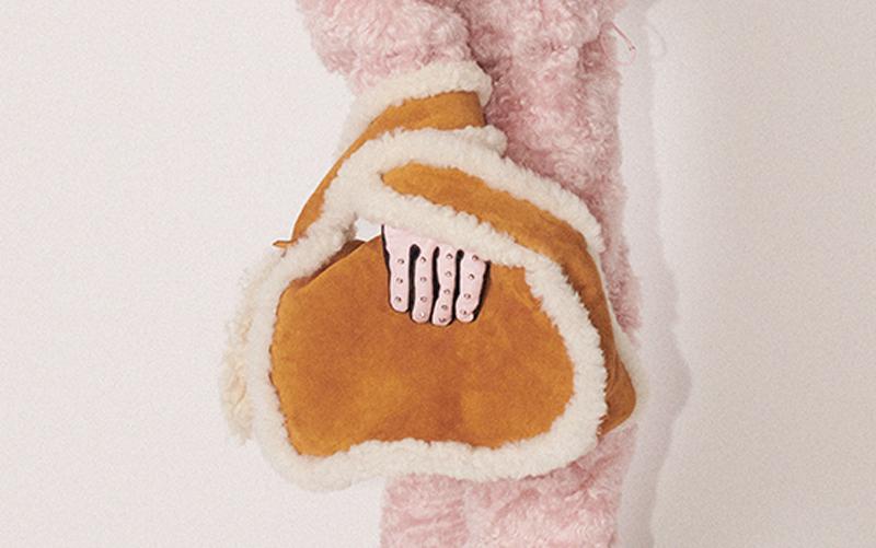 【ミュウミュウ】ふわふわファーが可愛い♡ 季節先取り新作コレクションに注目!