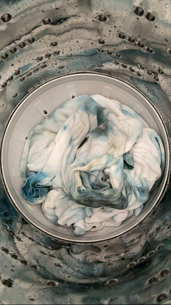 色を濃く残したい場合は水洗い、