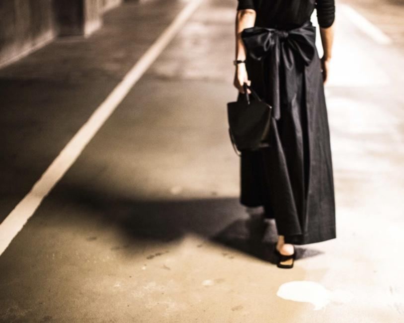 甘い服は黒で着れば失敗しない!154㎝編集が買った映えスカート