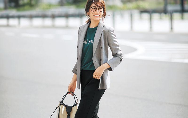 通勤にこっそり「楽ちんジョグパンツ」バレないコーデ【きれいめジャケットを着ておく】