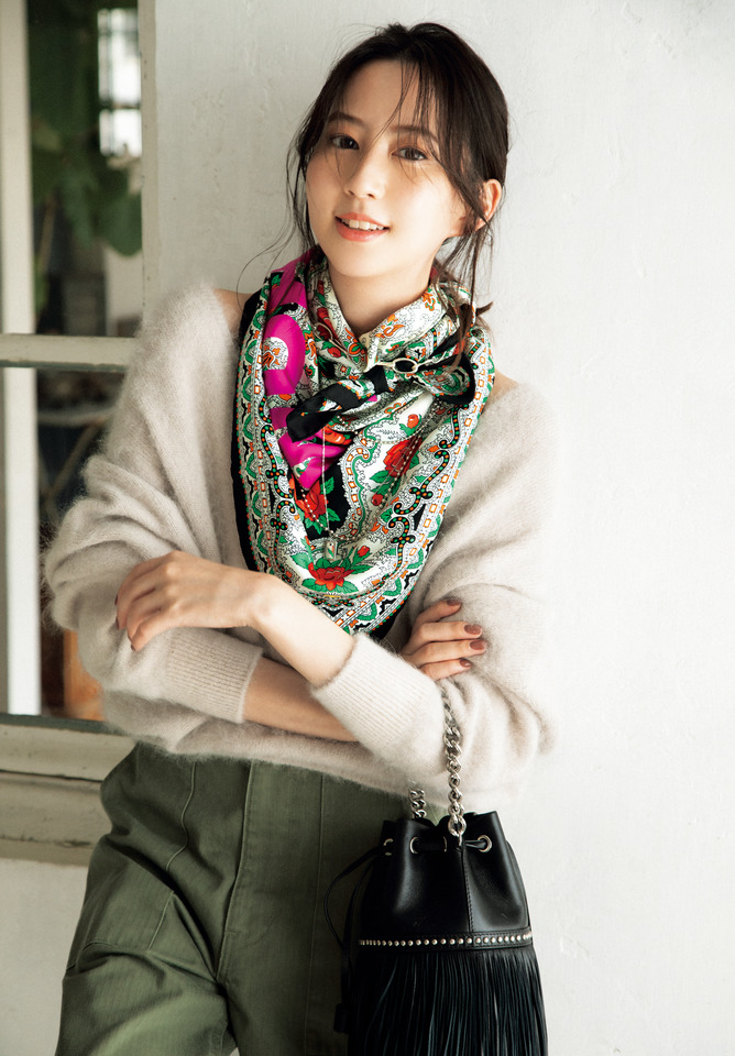 スカーフ[90×90㎝]¥22